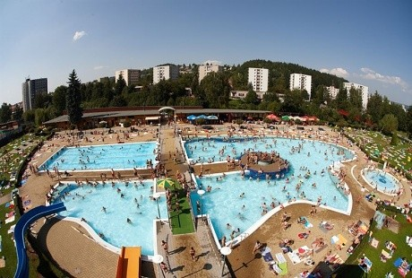 Outdoor and indoor swimming pools and aquapark in Trutnov
